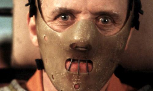 Nam diễn viên Anthony Hopkins khiến cả bạn diễn khiếp đảm.