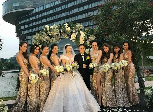 Đám cưới ngọt ngào của Tú Lơ Khơ.