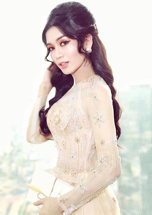 BB Trần gây choáng với tạo hình nữ tính, diện mạo xinh đẹp đến con gái chính hiệu cũng phải ghen tỵ.