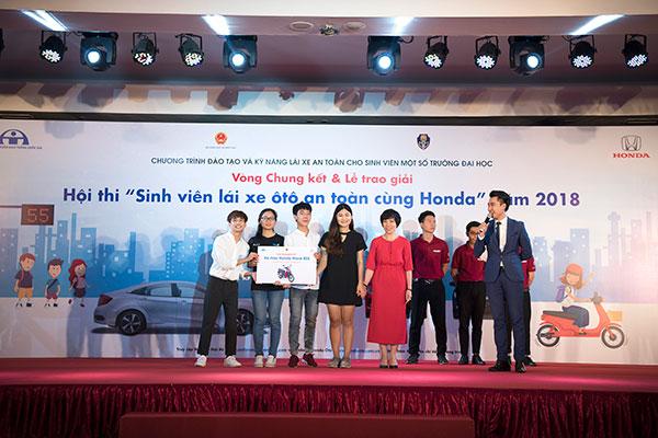 Giải nhì thuộc về Đại học Ngoại ngữ - Đại học Quốc gia Hà Nội.