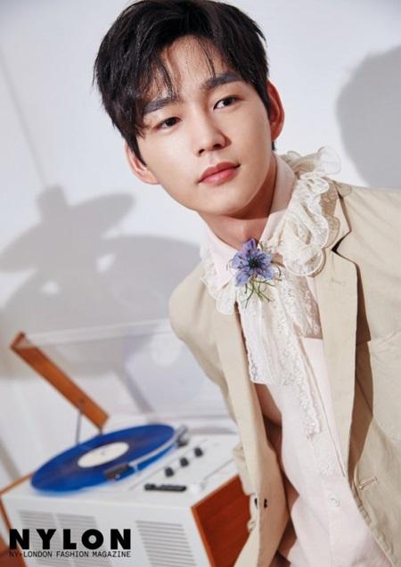 Fan thông thái có biết sao nam Hàn này là ai? (2) - 8