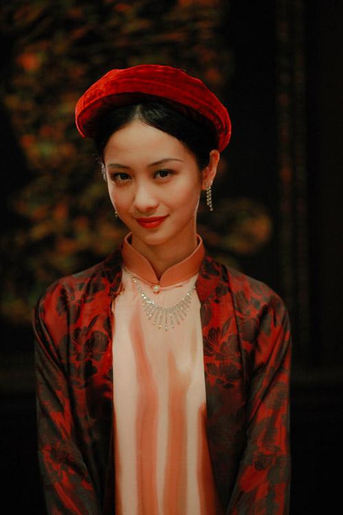 Jun Vũ xinh đẹp trong tạo hình cô ca nương.