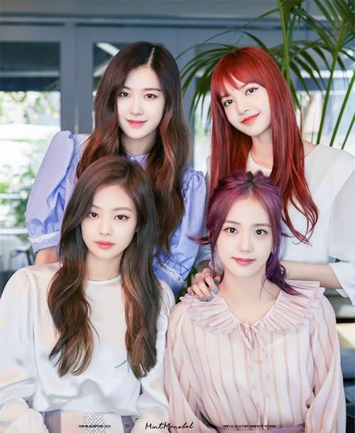 Bốn cô gái Black Pink có nhan sắc đẹp đều.