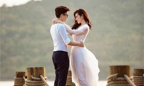 Á hậu Tú Anh tung ảnh cưới lãng mạn với bạn trai