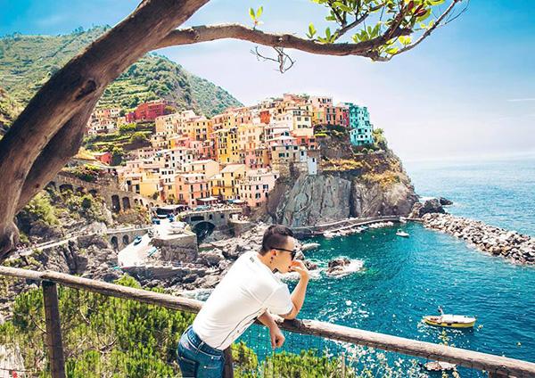Vũ Khắc Tiệp khoe ảnh đi du lịch Italy như lạc vào xứ sở thiên đường.