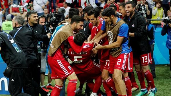 Tuyển Iran ăn mừng với bàn thắng vào lưới ĐT Tây Ban Nha