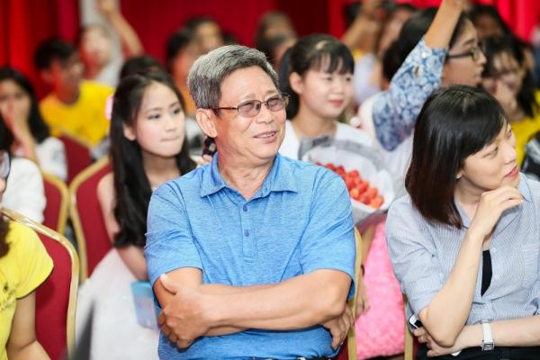Bố của Ngô Kiến Huy cũng có mặt tại sự kiện để ủng hộ con trai.