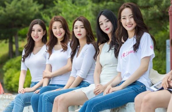 Đêm chung kết Miss Korea 2018 sẽ diễn ra vào tháng 7 tới. Cuộc thi đã chọn ra được 32 thí sinh cuối cùng để bước vào chặng đua nước rút.Cũng như vài năm gần đây, chất lượng thí sinh của Miss Korea 2018 bị đánh giá là đang có dấu hiệu đi xuống. Nhiều cô gái có nhan să