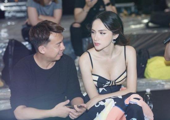 NTK Đỗ Long và Hương Giang trong buổi tập luyện.