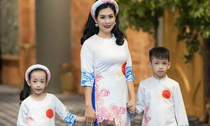 'Chị Nguyệt' lấn sân làm người mẫu, lần đầu đưa hai con lên catwalk