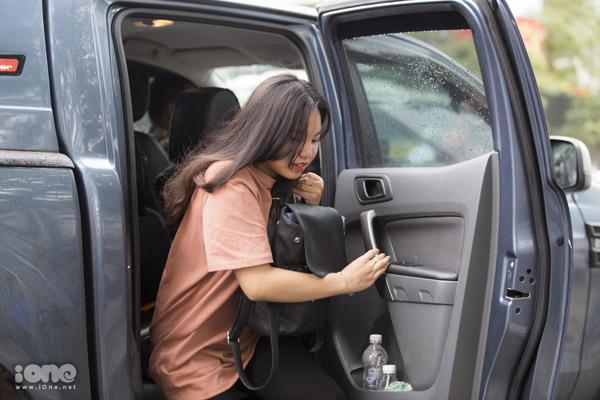 Hà Nội mưa lớn, nhiều thí sinh được đưa đón bằng ôtô - 3