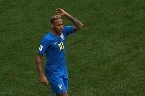 Neymar tức giận sau chiến thắng 2-0 trước Costa Rica.