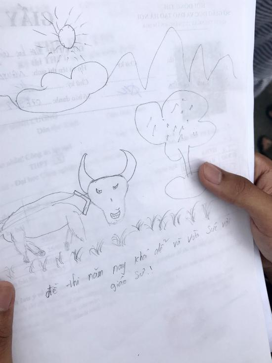 Tuyệt vọng vì đề khó, sĩ tử đành dùng giấy vẽ voi