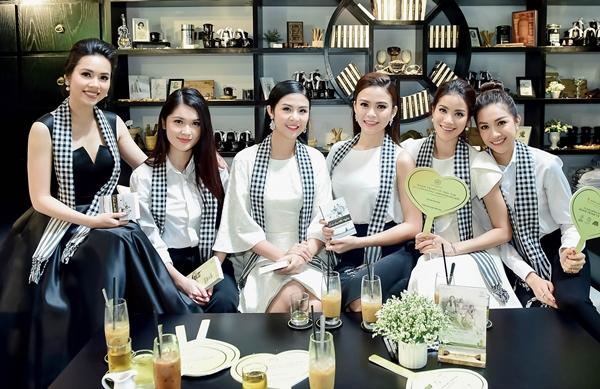 Ngày 25/6, sự kiện Tự hào đồng hành cùng Hành trình vì trái tim diễn ra tại Hà Nội và TP HCM. Xuất hiện tại hoạt động này là dàn hoa hậu, á hậu xinh đẹp.