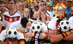 Fan Đức sụp đổ trong nước mắt sau khi tuyển bị loại