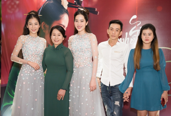 Gia đình ủng hộ Nam Em trở lại với nghệ thuật sau scandal.