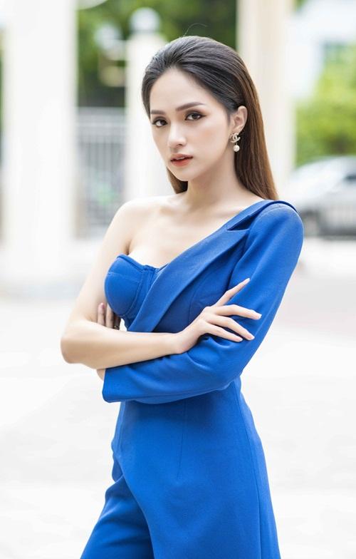 Với danh hiệu Hoa hậu Chuyển giới Quốc tế, cô mong những việc làm của mình sẽ bảo vệ người chuyển giới tại Việt Nam.
