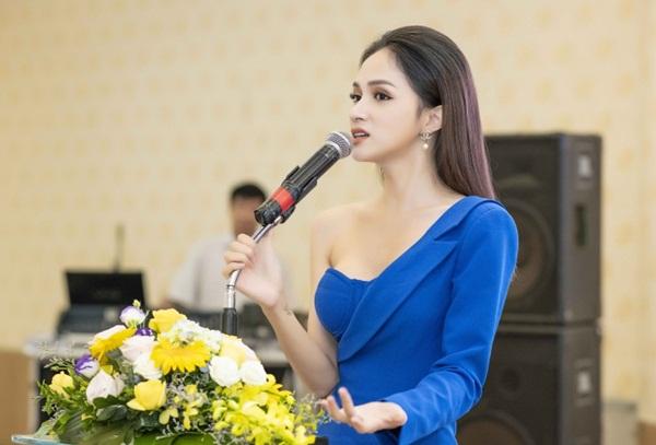 Hương Giang cho biết mục đích của việc làm này là để người chuyển giới Việt Nam được sống và làm việc theo pháp luật.
