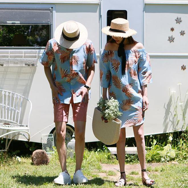 <p> Những trang phục đậm màu sắc Hawaii này luôn được phối kèm dép xỏ ngón, mũ sáng màu.</p>
