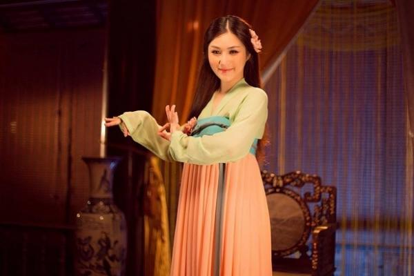 Hương Giang Idol khoe ảnh thân thiết, vui vẻ bên fans Hà Nội giữa tâm bão scandal.