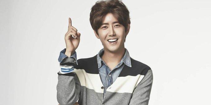 """<p> <strong>Kwanghee (ZE:A):</strong> Sinh ngày 25/8/1988, Kwanghee được khán giả nhớ đến với tính cách hài hước đã trở thành """"thương hiệu"""". Giọng ca của ZE:A là thành viên của show <em>Infinite Challenge</em> và từng tham gia nhiều chương trình thực tế nổi tiếng khác của Hàn Quốc.</p>"""