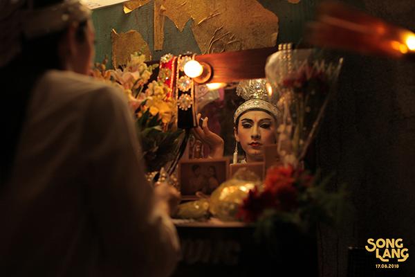 Phim mới của Isaac khiến khán giả tò mò vì có yếu tố đồng tính - 2