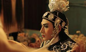 Phim mới của Isaac khiến khán giả tò mò vì có yếu tố đồng tính