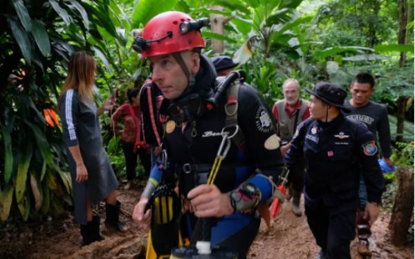 Richard Stanton tham gia đội cứu hộp Thái Lan. Ảnh: Telegraph