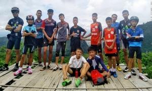 Sức khỏe, tinh thần của đội bóng Thái Lan qua lời kể của cứu hộ