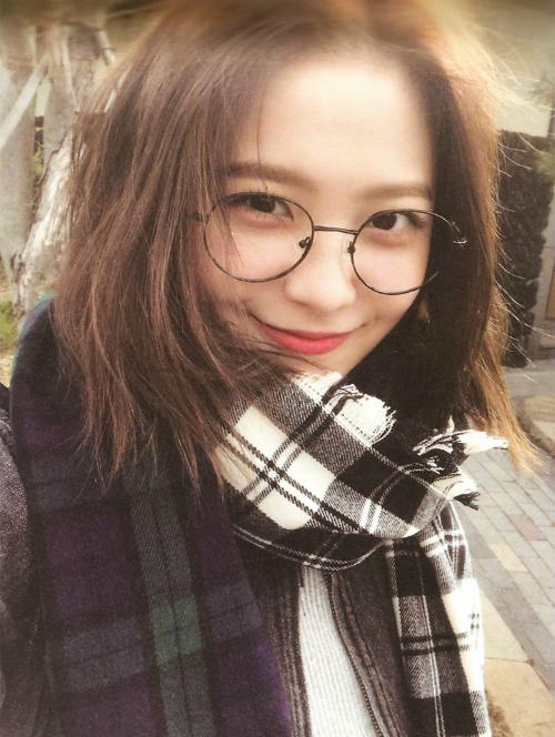 4 idol nữ bị quản nghiêm vẫn vướng tin đồn hẹn hò