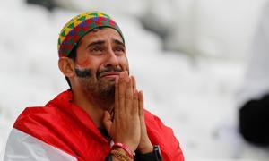 Khoảnh khắc nước mắt rơi chứng minh World Cup chạm đến tim triệu người