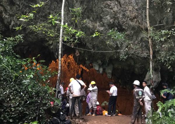 Lối vào hang động Tham Luang, hang động kéo dài hơn 10km.