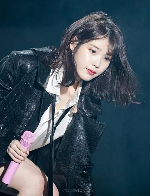 IU chắc chắn là trường hợp khiến JYP tiếc nuối nhất. Nữ ca sĩ từng bị loại và giám đốc Park Jin Young giải thích rằng màu sắc âm nhạc, hình ảnh lúc đó của IU không phù hợp.