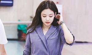 Black Pink khoe chân thon, Tae Yeon mặc quần rách tả tơi