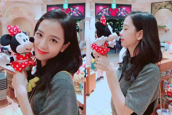 Ji Soo (Black Pink) khiến fan ao ước muốn được làm chuột Minnie.