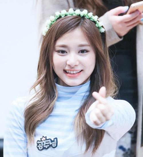 6 idol được xếp vào hội thiếu muối trầm trọng của Kpop - 3