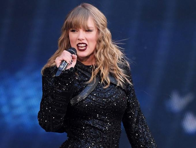<p> Theo thông tin từ Công ty số liệu trực tuyến Trulia, Taylor Swift hiện đang có tổng giá trị tài sản ròng là 280 triệu USD và phần lớn trong số đó là từ bất động sản.</p>