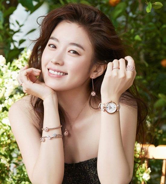 Fan thông thái có biết sao nữ Hàn này là ai? (3)
