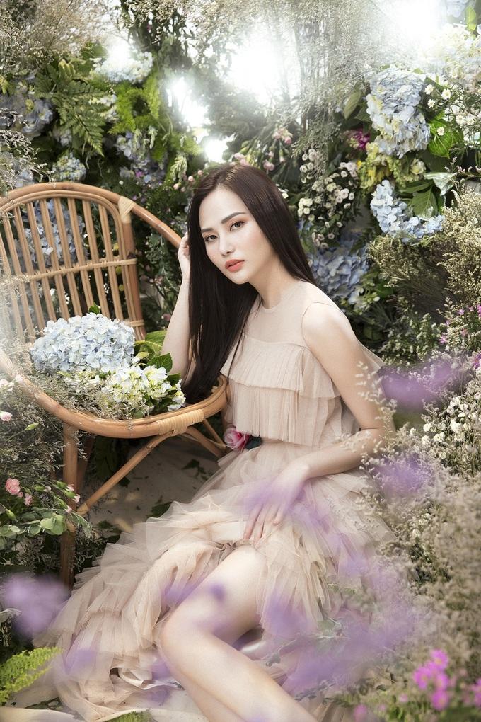 <p> Sắp tới, Diệu Linh có kế hoạch trở lại Thái Lan để tham gia những hoạt động khác nhau với vai trò đương kim hoa hậu của Miss Global Tourism 2018.</p>