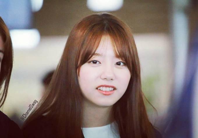<p> Chính những điều không hoàn hảo lại tạo ra sức hút của Kim So Hye. Cô nàng không có hàm răng ''100 điểm'' như nhiều idol khác nhưng nụ cười vẫn đẹp và gần gũi.</p>