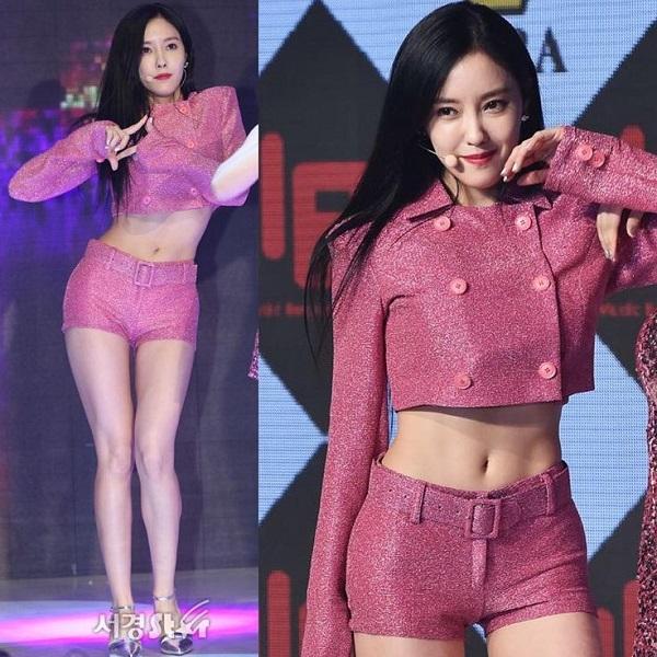 Sau khi debut, nhan sắc của Hyo Min tuy vẫn xinh đẹp nhưng được đánh giá  là không còn sự thuần khiết, tự nhiên rất hợp gu người Hàn như ngày xưa  nữa.