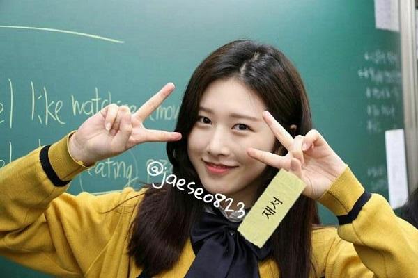Những hình ảnh trước debut của Eui Jin từng khiến nhiều người phải há hốc mồm vì cô nàng ngày xưa quá đỗi xinh đẹp. Mái tóc đen dài cùng khuôn mặt khả ái, ưa nhìn đã giúp Eui Jin trở thành đóa hồng nổi bật nhất lớp học.
