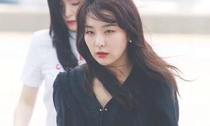 Yoon Ah theo mốt túi trong suốt, Wendy khoe cơ bụng sau giảm cân