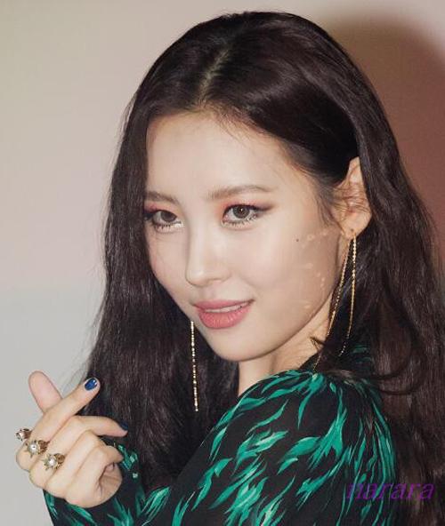 Hoa tai chuỗi dài - bí kíp cho mặt xinh, chảnh của idol Hàn - 7
