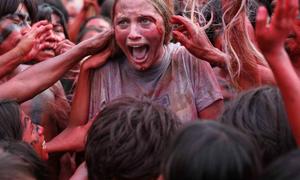 Hậu trường của bộ phim ăn thịt người khiến nữ chính suýt mất mạng
