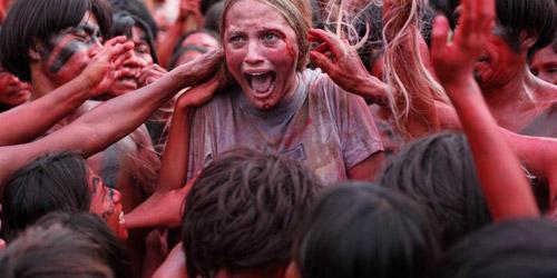 Hậu trường của bộ phim ăn thịt người khiến nữ chính suýt mất mạng - 1