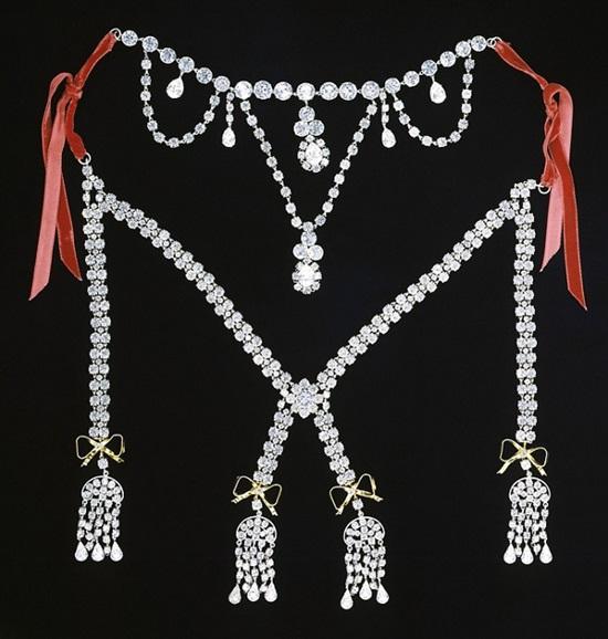 Bí mật ít ai biết về các món đồ trang sức của Hoàng gia - 1