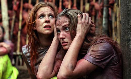 Hậu trường của bộ phim ăn thịt người khiến nữ chính suýt mất mạng - 2