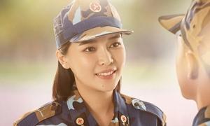 Cao Thái Hà: 'Tôi stress nặng, trẹo cả lưng khi đóng Hậu duệ Mặt trời'