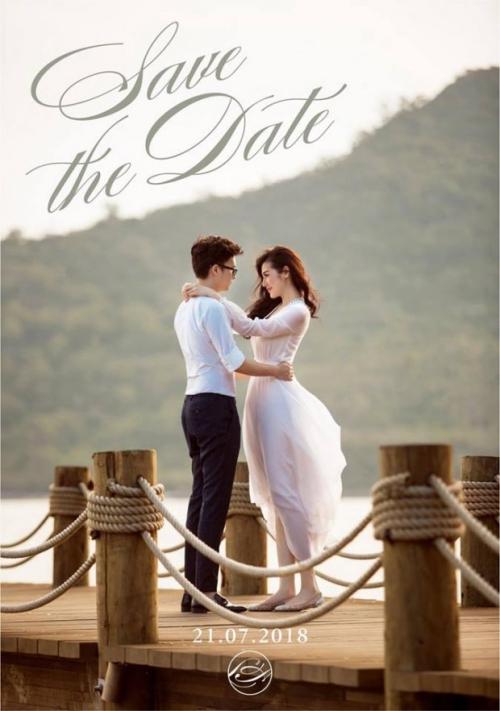 Một số bức ảnh cưới được tiết lộ.